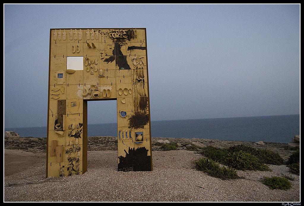 Porta di Lampedusa - arte moderna