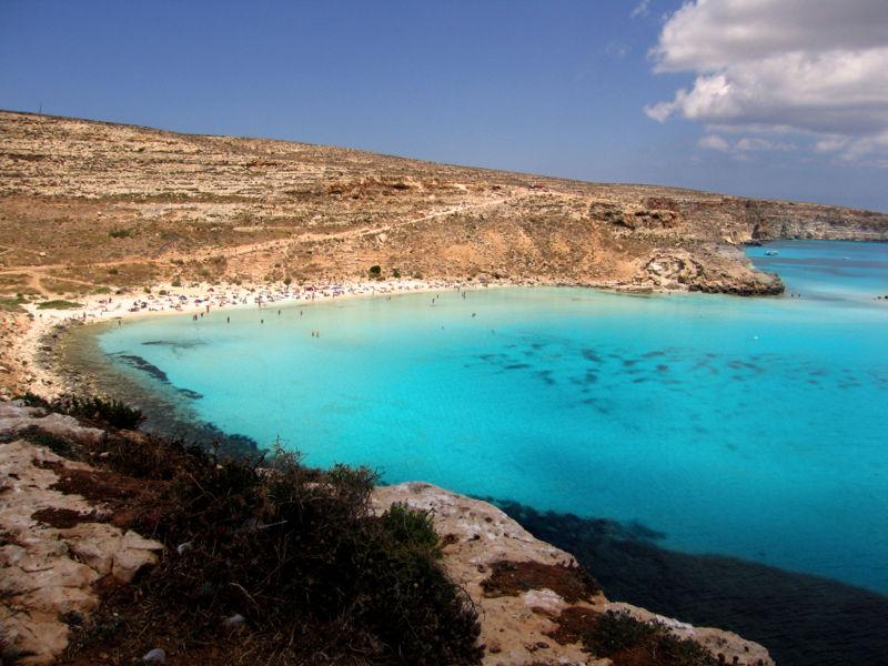 Isola dei conigli nei pressi di Lampedusa